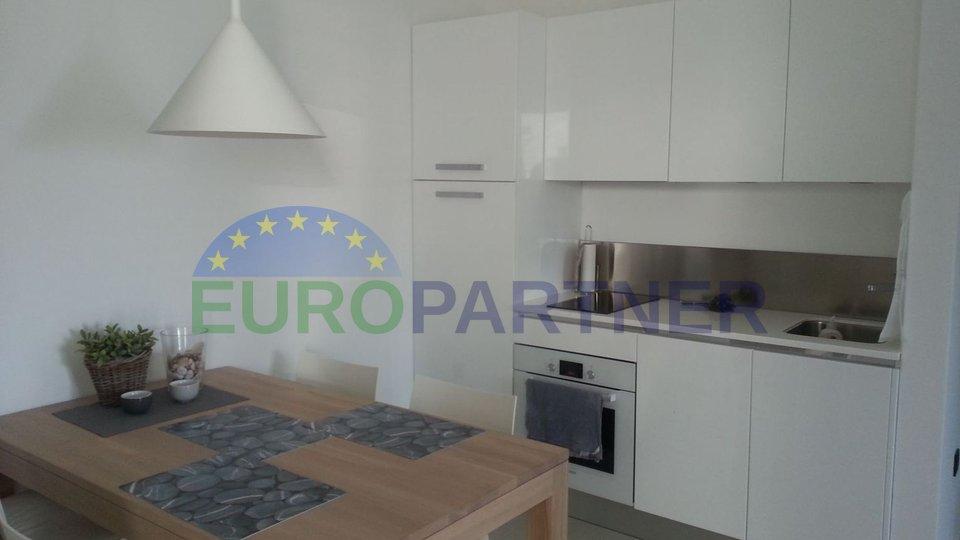 Nuovo appartamento su Krk vicino al mare